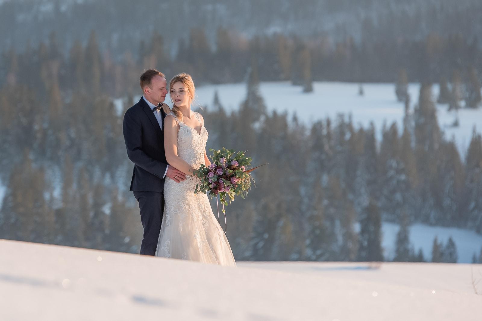 Zimowy plener ślubny na Podhalu, w Zakopanem