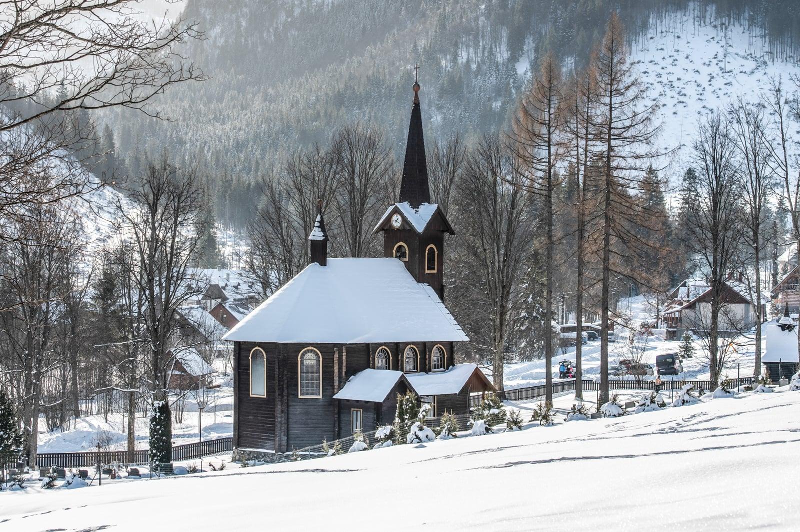 Jaworzyna Tatrzańska – wieś w północnej Słowacji, w powiecie Poprad