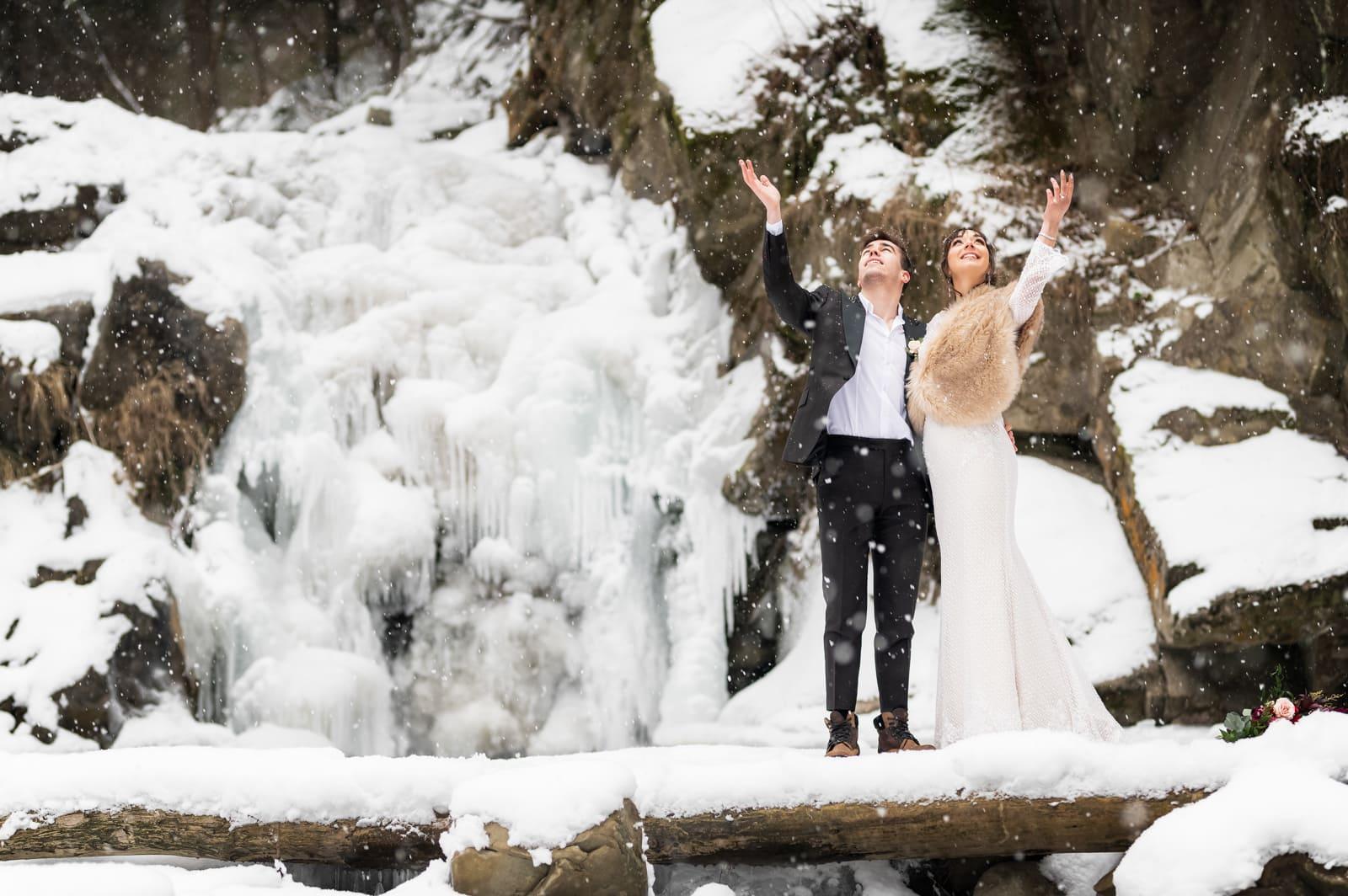 Sesja ślubna nad Wodospadem Zaskalnik w Szczawnicy